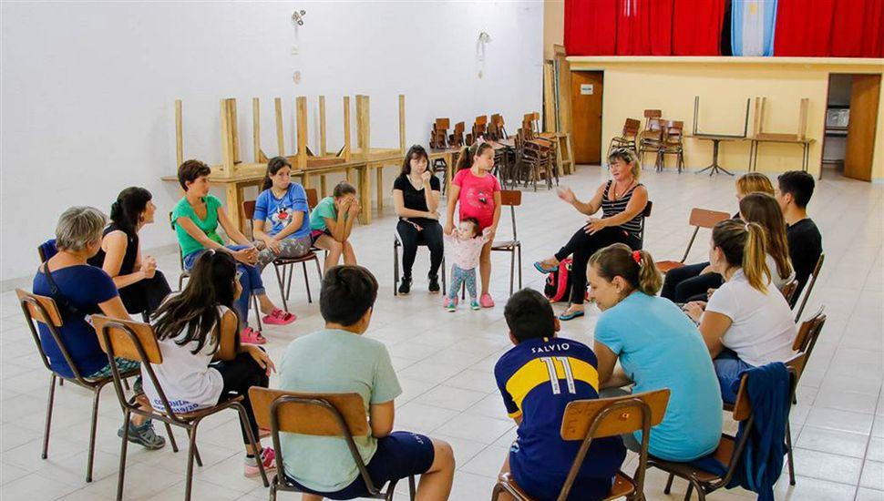 Se realizó el octavo encuentro del taller de crianza en el barrio Prado Español.