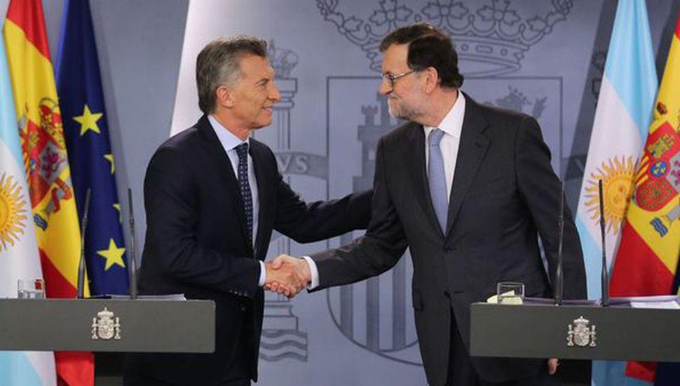 Mauricio Macri, junto a Mariano Rajoy, ayer en Madrid