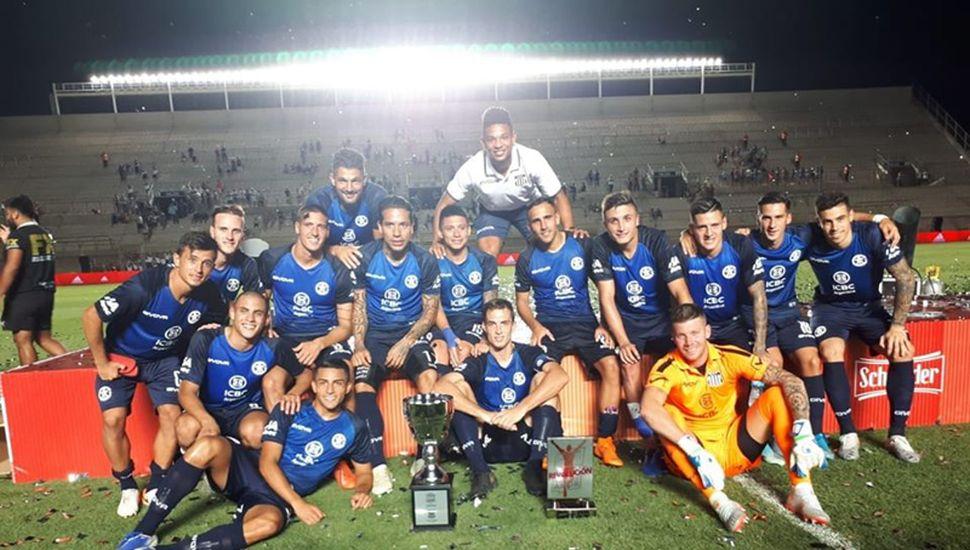 Talleres se quedó con la Copa Schneider.