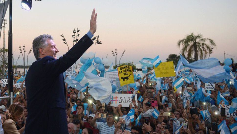 """Macri activa el WhatsApp y las redes para """"convencer"""""""