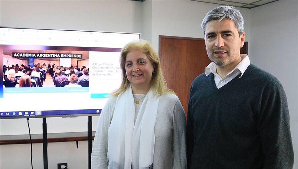 Andrea Civetta y Daniel Coria, de la Subsecretaría de Producción del gobierno de Junín.