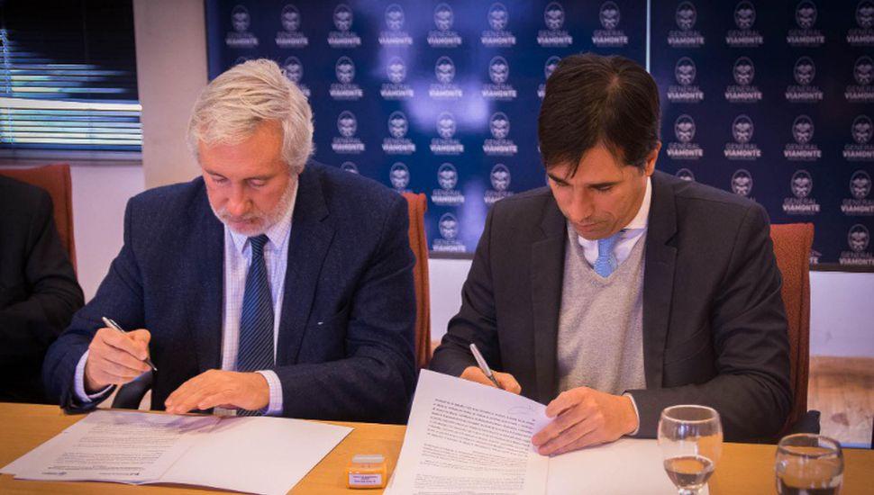 Julio Conte Grand firmó convenios junto a Franco Flexas en Viamonte