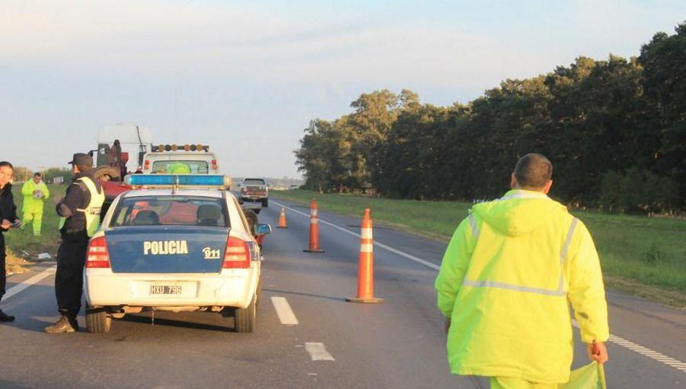 Un camionero de Bragado murió atropellado cuando descendió de su unidad