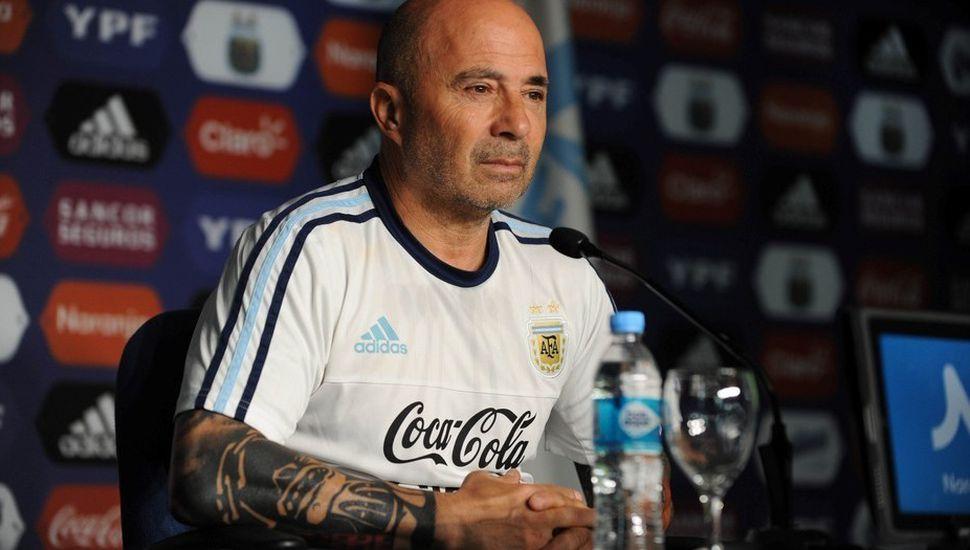 Sampaoli citó a Perotti, Kranevitter y dejó afuera de la lista a Higuaín