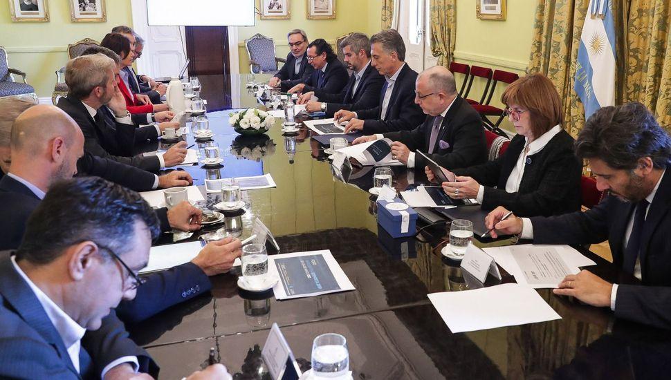 Reunión de gabinete para analizar la derrota electoral