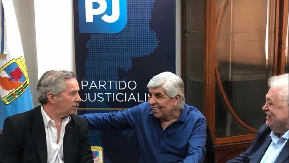 Hugo Moyano y Felipe Solá se sumaron formalmente al Partido Justicialista