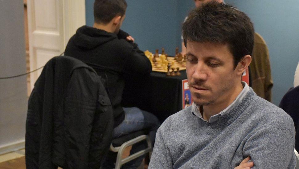 El juninense Diego Flores busca hoy su séptimo título argentino superior de ajedrez.