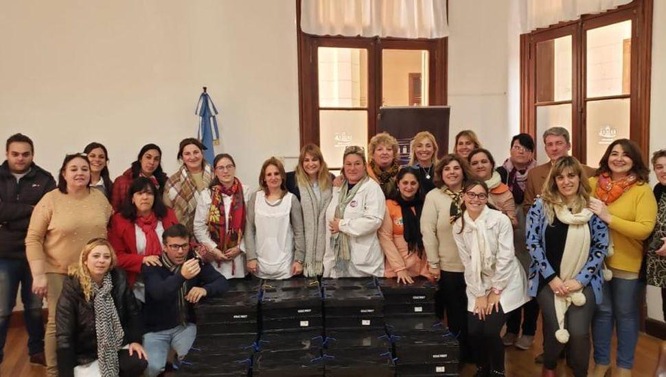 Entregaron kits de robótica en las escuelas primarias de Arenales