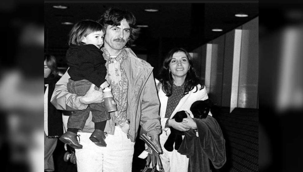 La historia de amor de George Harrison y su esposa mexicana Olivia Arias