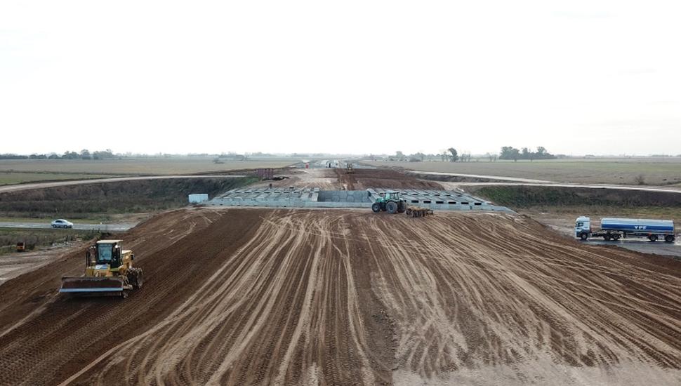 Entre Pilar y Pergamino: avanza la transformación en autopista de la Ruta 8