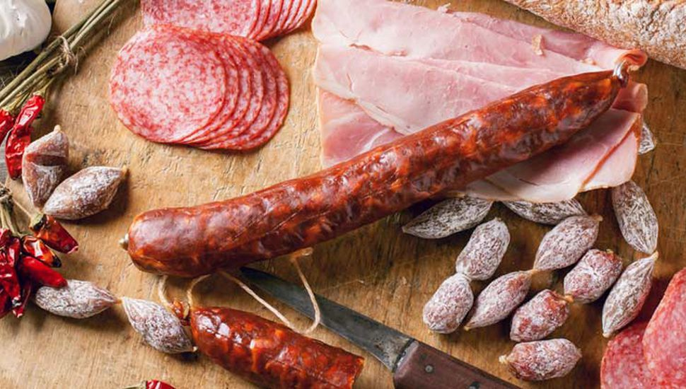 Los embutidos, además de tener un exceso de sal, tienen elevadas proporciones de grasas saturadas y colesterol.