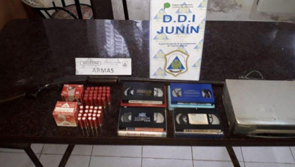 Secuestran material pornográfico y armas en Chacabuco
