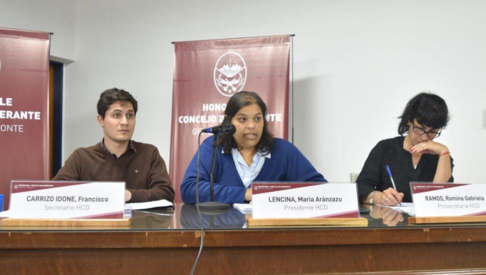 María Lencina reemplaza a Héctor Luberriaga en la presidencia, tras la renuncia.
