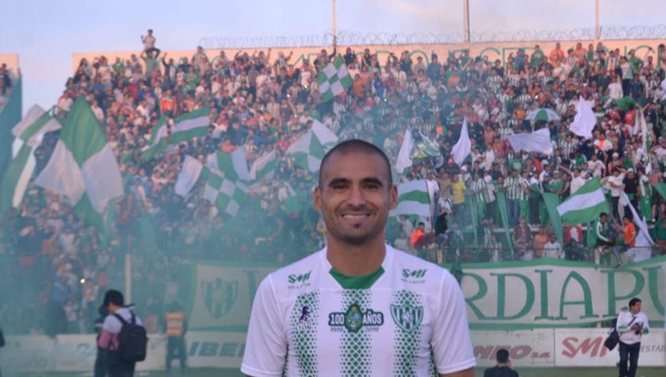 Pablo Aguilar, el defensor fue clave en el ascenso de Sarmiento.