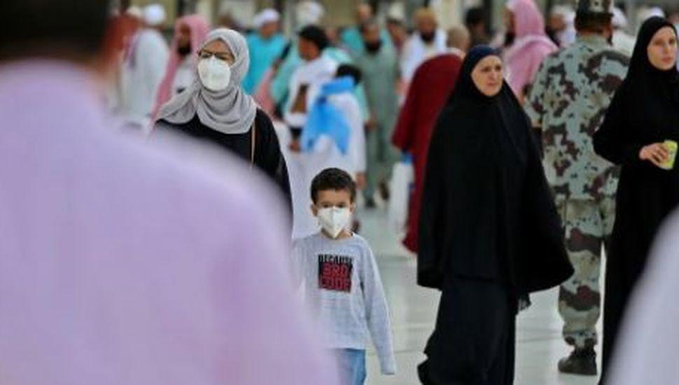 """Coronavirus: la OMS elevó el nivel de riesgo de propagación e impacto a """"muy alto"""""""