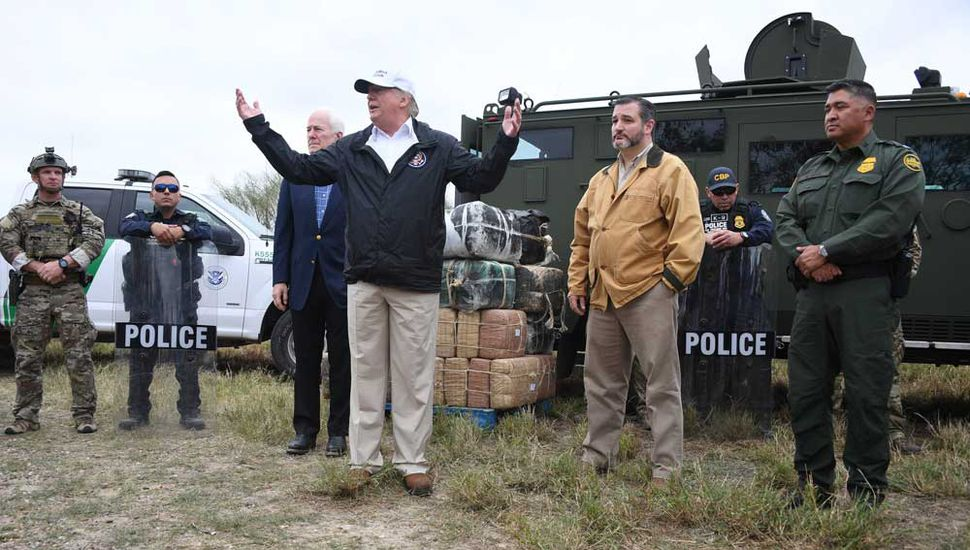 """Trump insiste con el muro  y asegura que """"funciona"""""""