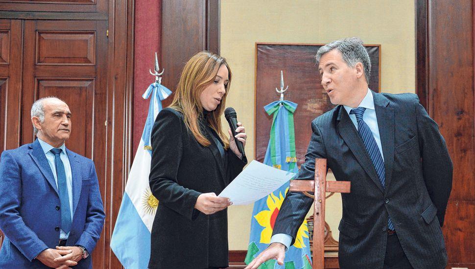 Vidal tomó juramento ayer al nuevo ministro de Economía, Damián Bonari.