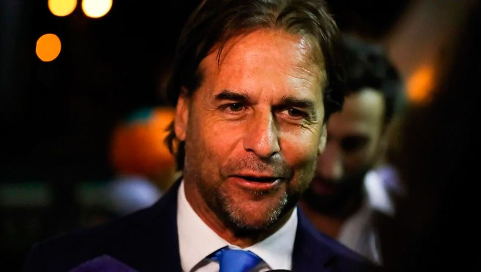 Lacalle Pou intenta que 100.000 argentinos se muden a Uruguay