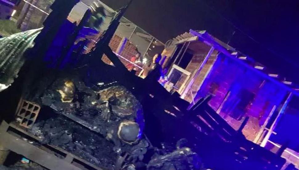 Murieron tres niños y siete quedaron heridos por incendio en una casilla