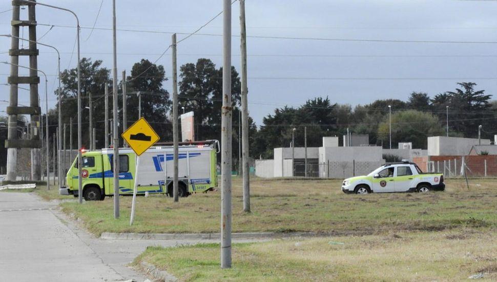 Personal de Bomberos, Policía y ambulancia trabajó en el lugar.