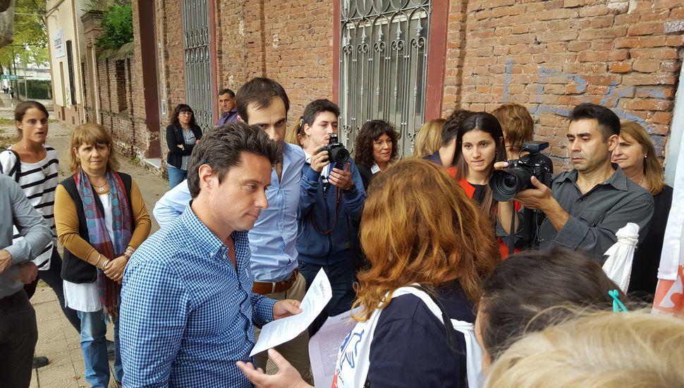 El ministro Sánchez Zinny recibió el Petitorio de Suteba.