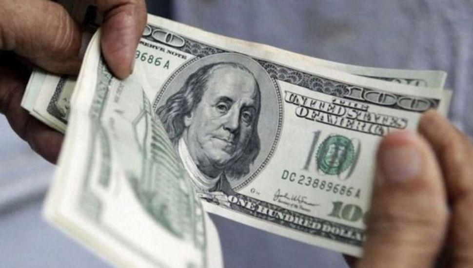 El dólar minorista retrocedió 1,53% y cerró la semana en $41,134