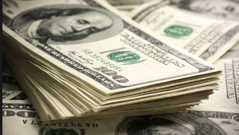 Tras la renuncia de Caputo, el dólar cerró a $38.88