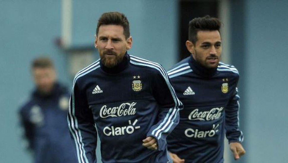 """Lautaro Acosta y el papel de Messi en la Selección: """"No es el líder que uno espera"""""""