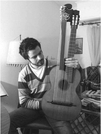 El libro sobre la historia de la guitarra en Junín desde los tiempos del Fuerte