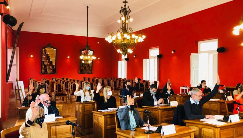 Todos los ediles aprobaron la adhesión a un proyecto de ley provincial para ayudar a escuelas privadas.