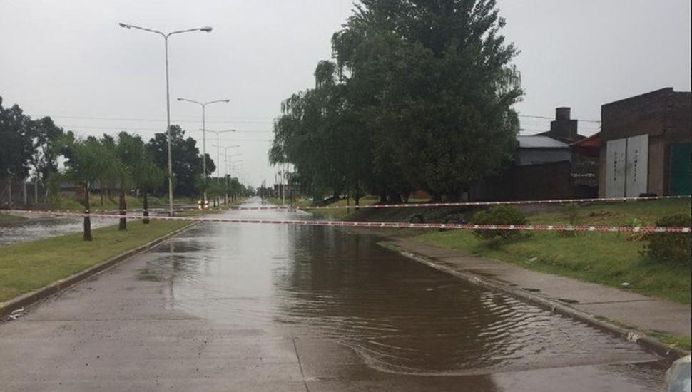 Por las lluvias, el acceso Juan XXIII de Chacabuco estuvo cortado