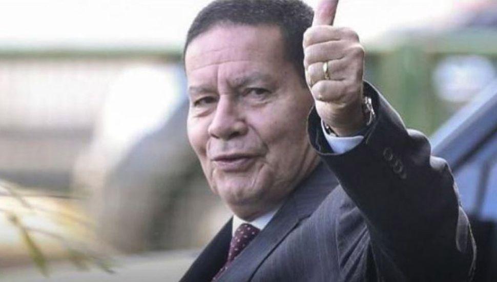 Bolsonaro manda a su vice  a la asunción de Fernández