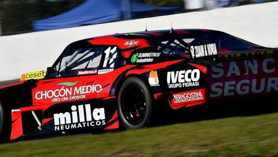 """José Manuel Urcera puso a su Chevrolet al tope de las posiciones, en el entrenamiento del Turismo Carretera, ayer en el autódromo """"Ciudad de Rafaela""""."""