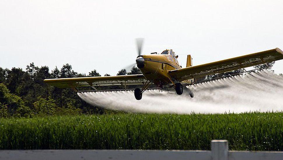 Denunciaron que un avión fumigador roció agroquímicos sobre Todd