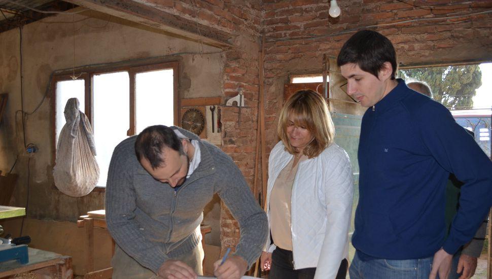 Entregan créditos para emprendedores de Arenales