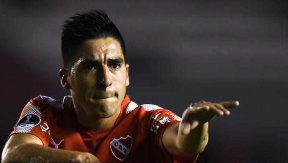 Independiente puso un pie en semifinales con una goleada