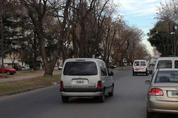 Rivadavia es una de las arterias que mantiene bastante circulación, pero en su interior el barrio es muy tranquilo.