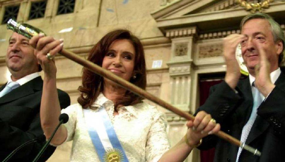 Juez Bonadio ordenó devolverle los bastones presidenciales a CFK