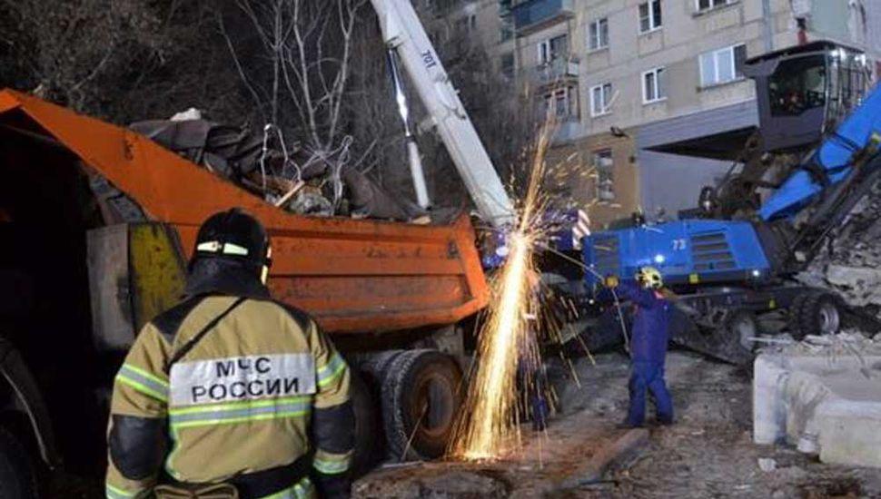 Rusia confirma 22 muertos en el derrumbe del edificio de los Urales