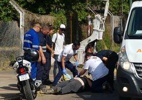 Motociclista  chocó contra la barrera