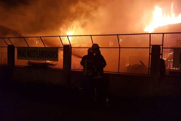 Incendio maderera Norsur en Junín