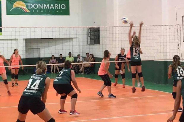"""Un total de doce equipos compiten en el torneo """"Nupro Agro""""."""