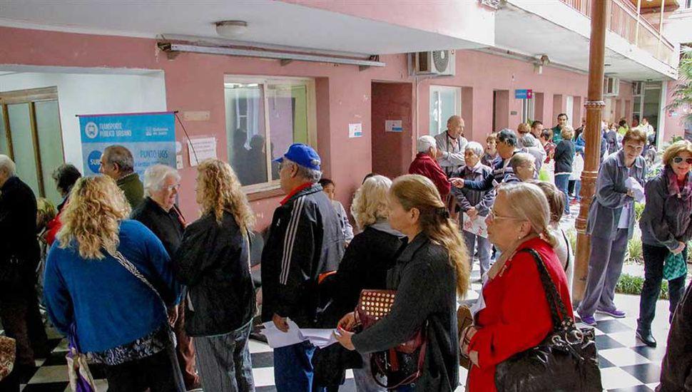 Transporte público urbano: el municipio  ya entregó más de 1000 tarjetas SUBE