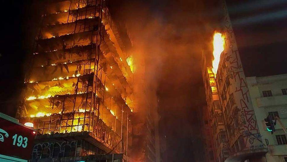 Hay 44 personas desaparecidas tras el derrumbe de un edificio