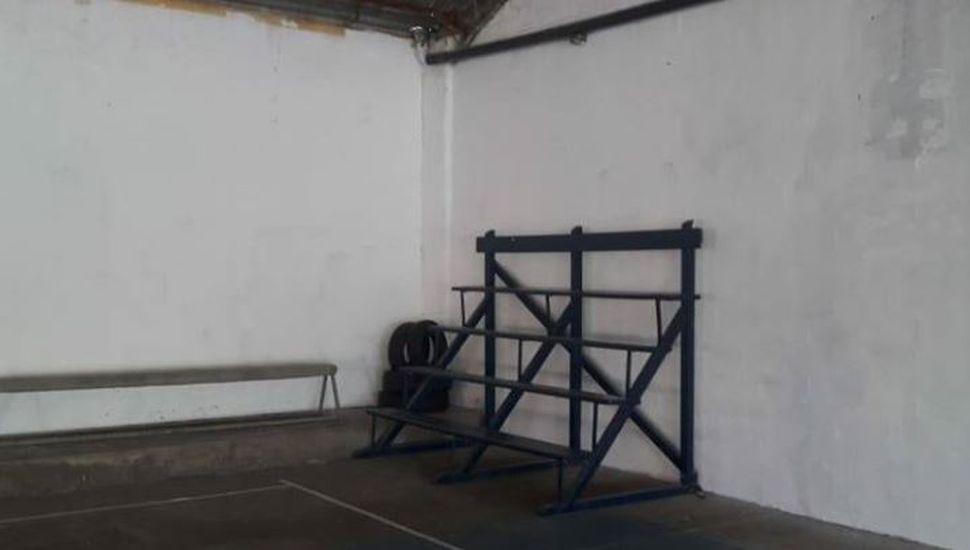 Comenzaron los trabajos de pintura en el Gimnasio Municipal de la localidad