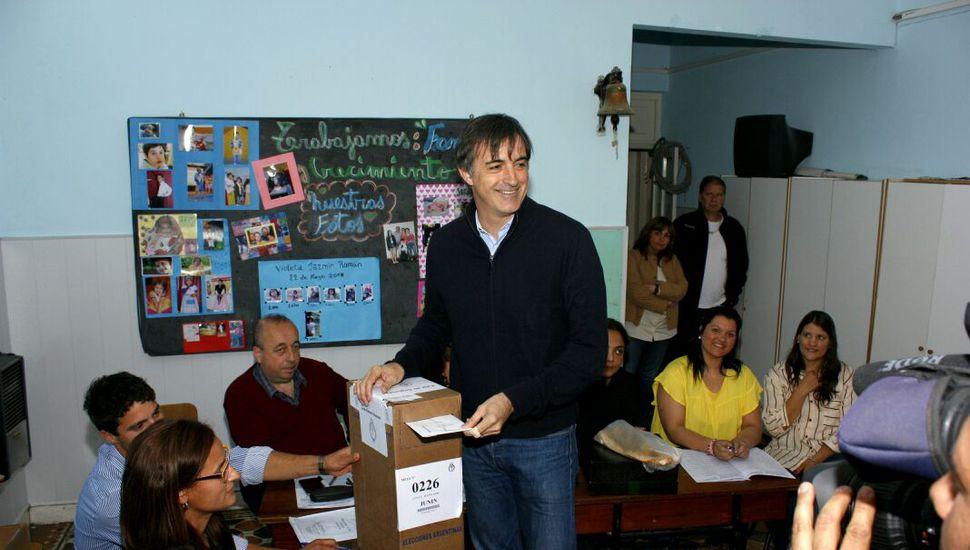 """""""Les pedimos a los vecinos que vayan a votar"""", afirmó Bullrich en Agustina"""