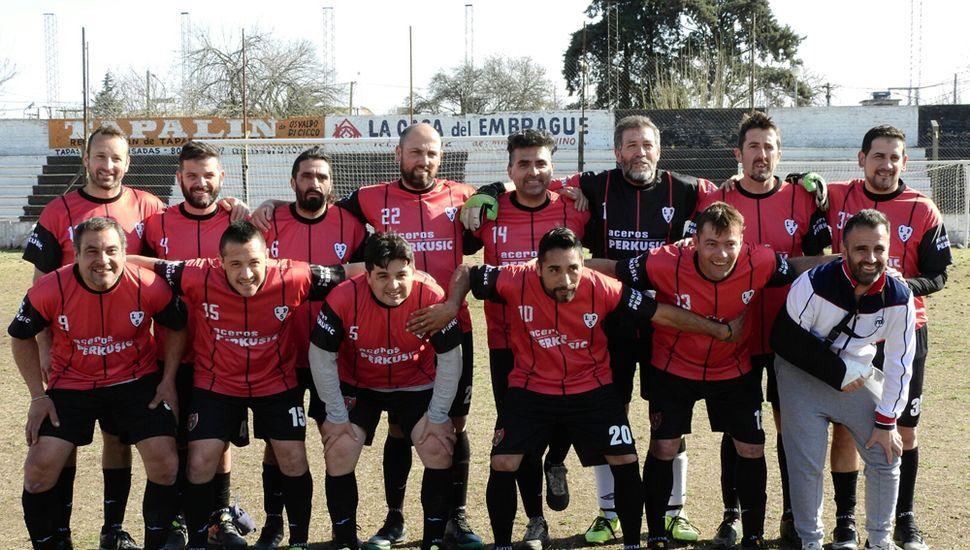 Equipo de Ciclista que iniciará su participación en la Copa de plata el domingo, ante Deportivo Baigorrita.