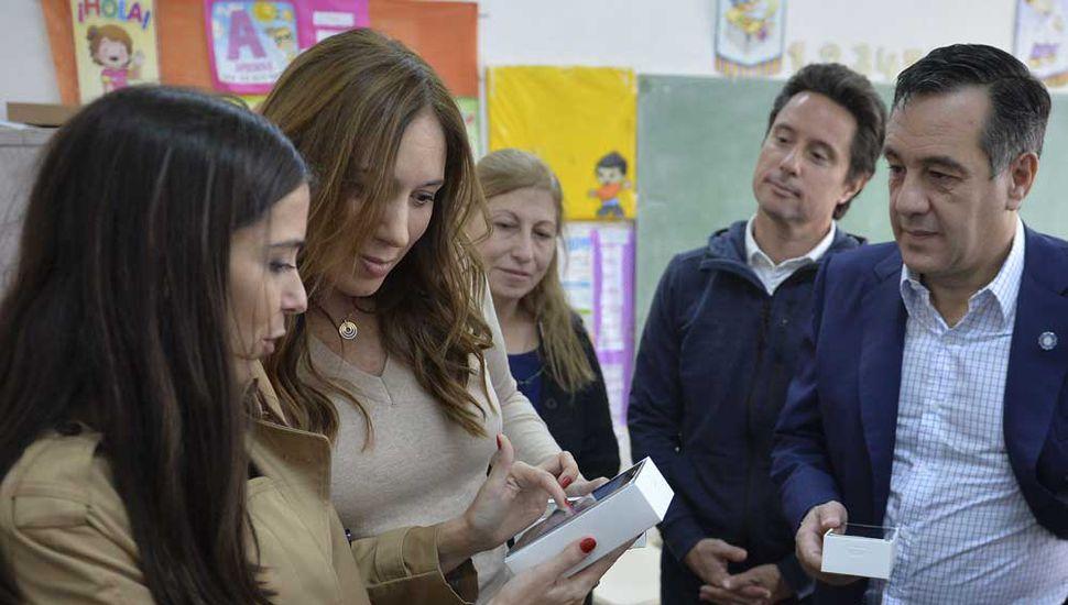 La gobernadora bonaerense, María Eugenia Vidal, visitó ayer una escuela secundaria del partido bonaerense de La Matanza.