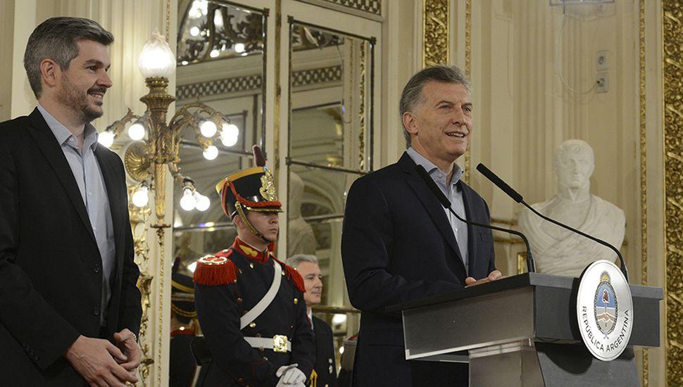 El presidente Mauricio Macri, junto al jefe del Gabinete de Ministros, Marcos Peña, en un gobierno fortalecido por el resultado electoral.