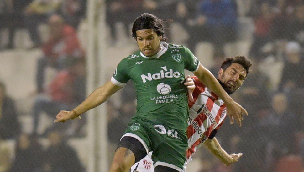 Pablo Magnín, delantero de Sarmiento.